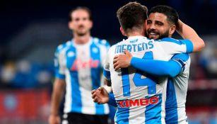 Insigne y Mertens festejando un gol a favor del Napoli