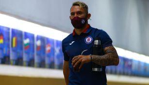 Walter Montoya previo a un partido de Cruz Azul