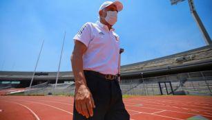 Ricardo Ferretti en el duelo entre Tigres y Pumas