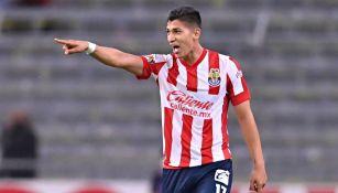 Zaldívar festeja su gol en el Clásico Tapatío