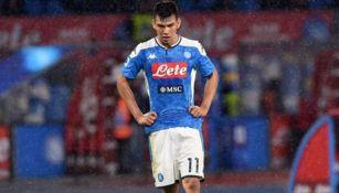 Hirving Lozano en un partido del Napoli