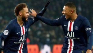 Neymar y Mbappé en festejo con PSG