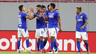 Cruz Azul en festejo de gol