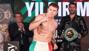 Canelo Álvarez en el pesaje previo a la pelea contra Yildirim