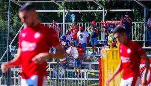 Chivas: Porra acudió a apoyar en entrenamiento, previo a juego ante Tigres