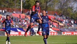 Pavel Pérez festeja su anotación contra Cimarrones