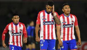 Jugadores de Atlético de San Luis en lamento