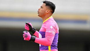Talavera desteja un gol universitario