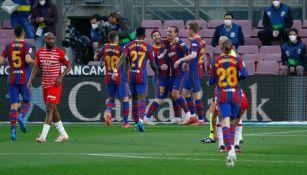 Jugadores del Barcelona festejando un gol ante el Granada