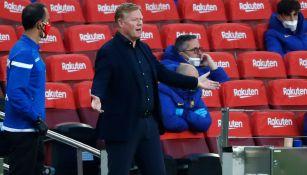 Ronald Koeman durante un duelo del Barcelona