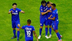 Jugadores de La Máquina en festejo de gol
