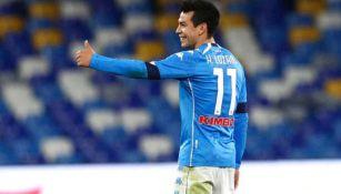 Hirving Lozano en partido con Napoli