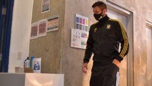 Tigres: André-Pierre Gignac se incomodó por ser grabado tras juego ante Chivas