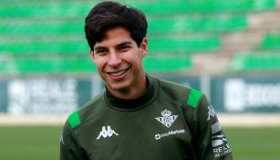 Diego Lainez en entrenamiento con el Real Betis