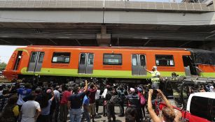 El retiro del convoy del Metro tras el accidente