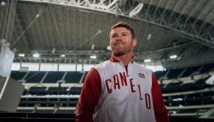 Saúl Álvarez en el AT&T Stadium, casa de los Dallas Cowboys