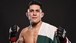 Erik 'Goyito' Pérez posa para la UFC