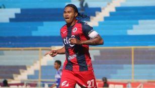 Gullit Peña en el futbol de El Salvador