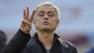Mourinho en un partido con el Tottenham