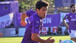Vicente Poggi en acción con Defensor Sporting