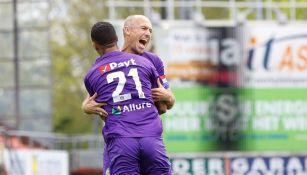 Arjen Robben celebrando un gol con el Groningen