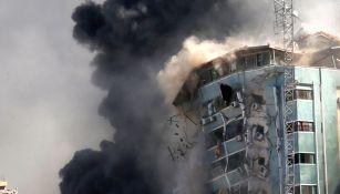 Edificio de agencias informativas es bombardeado