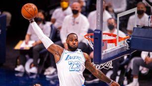 LeBron James anotó 24 puntos en su regreso