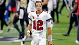 Tom Brady, triste en un juego de Tampa Bay