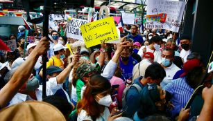 Familiares de las víctimas en Línea 12 protestan ante la Fiscalía