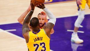 James en el juego vs Warriors