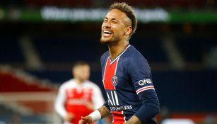 Neymar se vacunó en Francia contra el Coronavirus