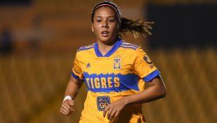 María Sánchez, centrocampista de Tigres