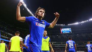 Santi Giménez festeja el gol ante Pachuca