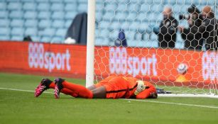 Edouard Mendy se lesiona en encuentro frente al Aston Villa