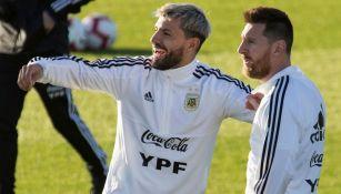 Agüero y Messi podrían jugar juntos en Barcelona