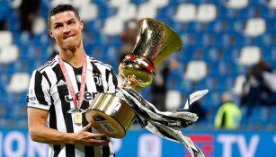 Cristiano Ronaldo con la Copa de Italia
