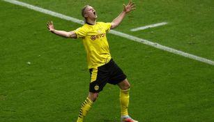 Erling Haaland en festejo de gol con Borussia Dortmund