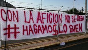 Mantas en contra de Hugo González