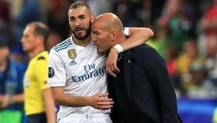 Benzema y Zidane tras un duelo del Real Madrid