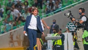 Guillermo Almada en derrota ante Cruz Azul