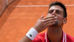 Novak Djokovic celebra en Belgrado