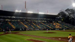 Estadio Hermanos Serdán albergando un juego de beisbol
