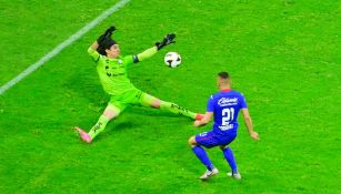 Cruz Azul: Cabecita Rodríguez dio ventaja en la Final con polémico gol