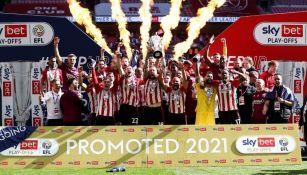 Brentford vuelve a la Premier después de 74 años