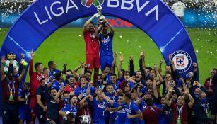 Cruz Azul festeja el título del Guardianes 2021