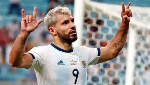 Kun Agüero en festejo con la selección argentina
