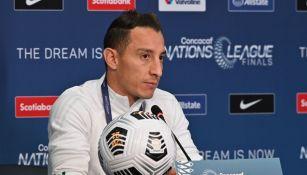 Andrés Guardado en conferencia de prensa
