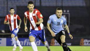Cabecita Rodríguez durante el partido entre Uruguay y Paraguay