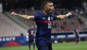 Mbappé en festejo con Francia