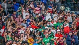 Aficionados en el México contra Costa Rica